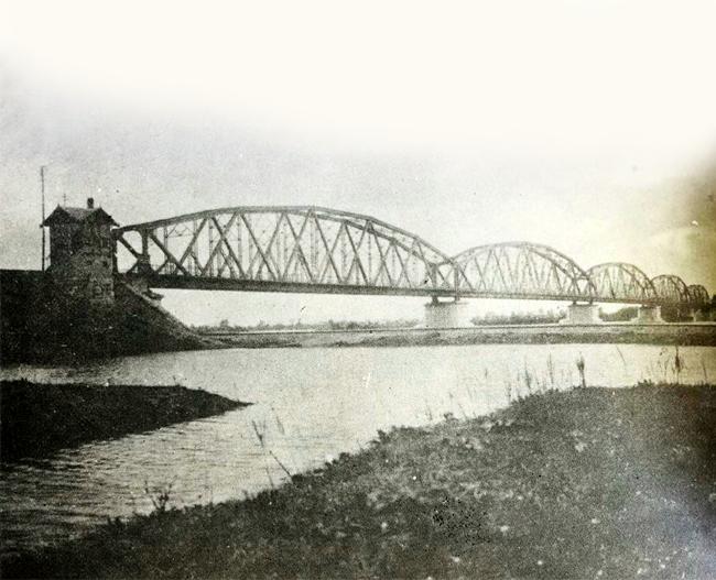 Izgled železničkog mosta preko Save kod Beograda 1884. godine